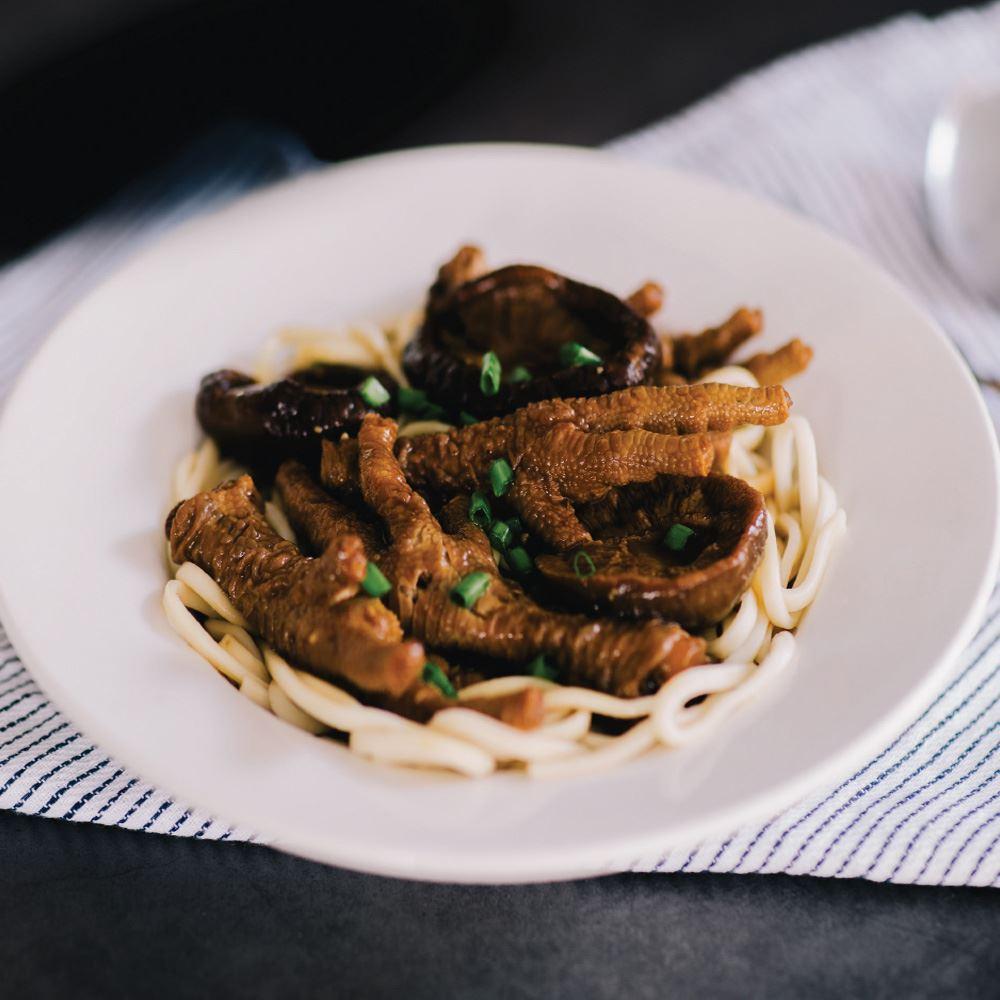 Braised Mushroom Chicken Feet with Stick Noodles