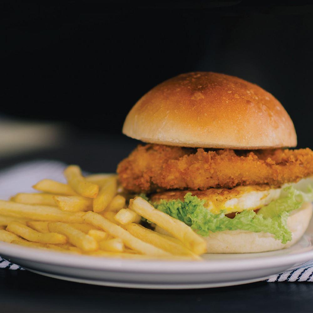 Crispy Chicken Burger With Fries