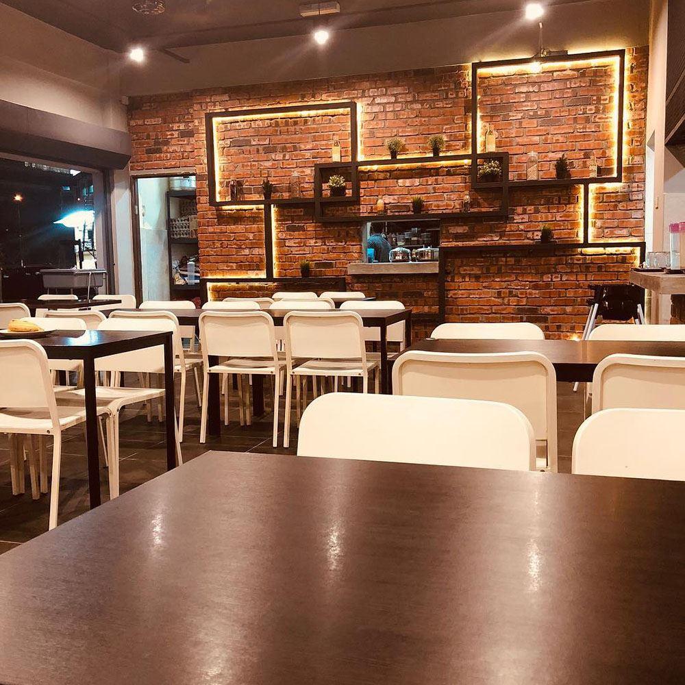 Cafe Dining